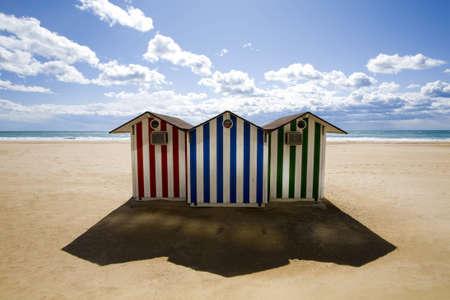 caba�a: caba�as en una playa en benidorm