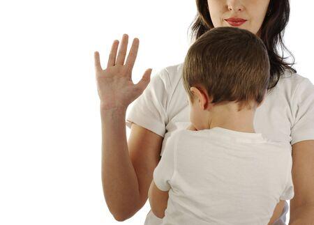 versprechen: Mutter swears ihrem Sohn, isoliert auf weiß