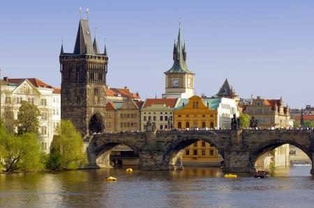 チャールズ ブリッジ上川モルダウ プラハ、チェコ共和国の眺め 写真素材