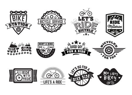 자전거 배지 빈티지 설정합니다. T 셔츠, 복고풍 흑백 디자인, 자전거 장비, 부품 및 액세서리 상점에 인쇄용 스포츠 스티커. 흰색 배경에 고립 된 벡터  일러스트