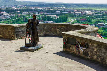 Mukachevo, Ukraine - May 25, 2008: monument of Ilona Zrinyi and Francis II Rakoczi in Palanok Castle  報道画像
