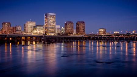 夕暮れの直後後、アメリカ、バージニア州の首都リッチモンド