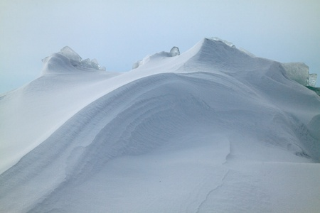 Soft snow curves Stock Photo - 10769568