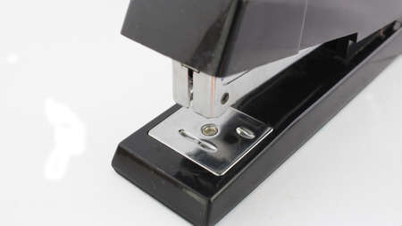 A stapler, stapler, or bartacker is a tool used to join sheets of paper, plastic, or sheets of wood by attaching a staple Imagens
