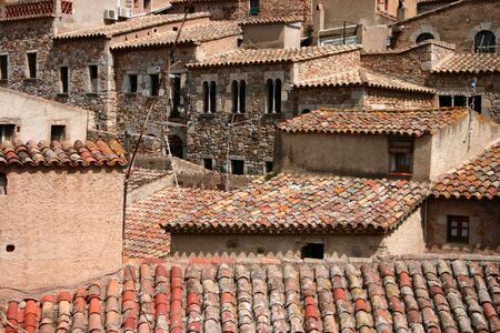 토스카 데 마르 Catalonia 스페인의 오래 된 마을에서 공간에 대 한 복잡 한 돌 집 jodle