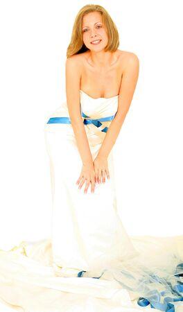 Kaukasisch gerne schöne Braut in ihrem Kleid Standard-Bild - 3661673