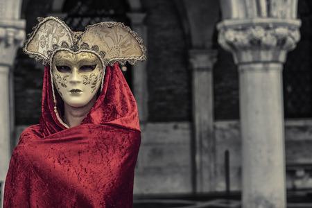 mascara de carnaval: Mujer hermosa en máscara misteriosa, El Carnaval de Venecia Foto de archivo
