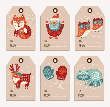 etiqueta: Vector de Navidad colección de etiquetas con Papá Noel, zorro lindo, búhos, venados, mapaches y guantes. Elementos de decoración de vacaciones con personajes de dibujos animados.