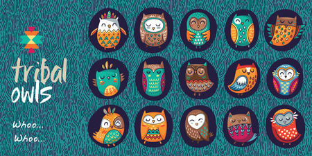 Cute indian hand drawn owl characters. Collection of owls in a hollow. Vector illustration 向量圖像