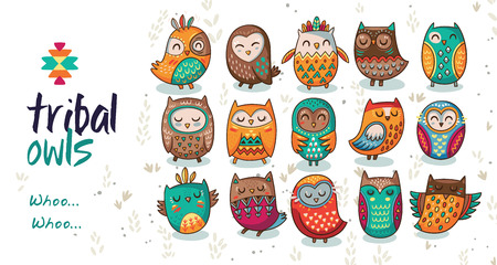 Cute indian hand drawn owl characters. Vector illustration Vettoriali