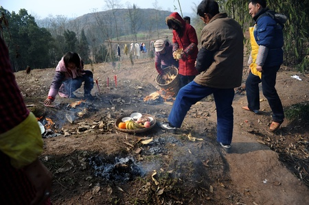 Sichuan, China - February 2: the villagers prepare food for the festival, February 2, 2011, in rural areas in Sichuan Province during the Spring Festival, a rural family, for the ritual to prepare food, customs Stock Photo - 12768834