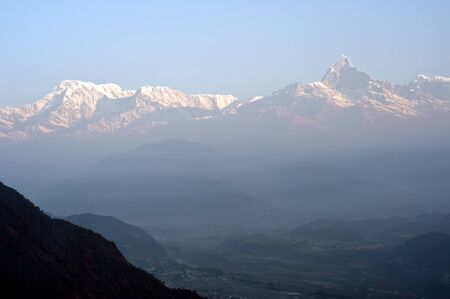 gold capped: Nepal Pokhara, Fishtail peak Stock Photo