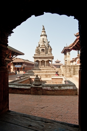 Nepal, bud hillock: on January 31, 2012, do not know the name of Nepal, and in the temple square to have a rest, Buddhism in Nepal, have a deep belief, 2012, bud harbor