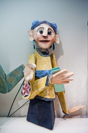 international puppet festival: Human sculptures in the puppet theater, Made in China
