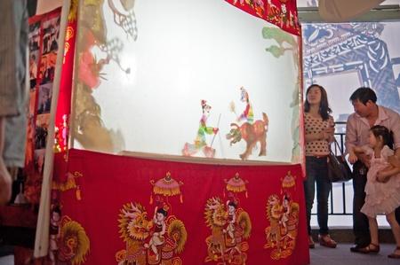 puppetry: Chengdu, China, 27 de mayo de 2012: Festival Internacional de T�teres 21 abri� sus puertas en Chengdu, exhibiendo m�s de 100 piezas de teatro de marionetas en 45 pa�ses de todo el mundo, la primera celebrada en China, en Chengdu, mayo de 2012.