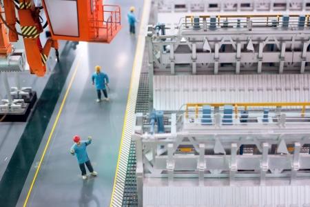 Les centrales thermiques � l'int�rieur de la ligne de production d'�quipements �lectriques Banque d'images