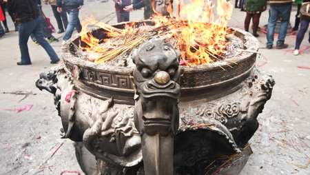 sacrifices: Chinese buddhist temple worship