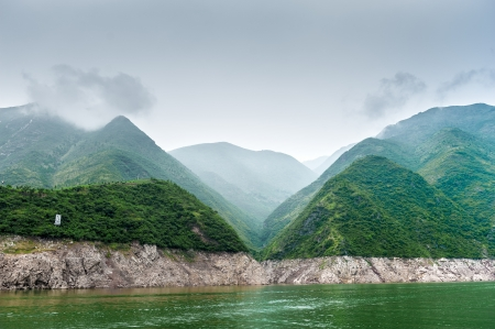 inflow: Journey to the tributary of the Yangtze with a mountain view