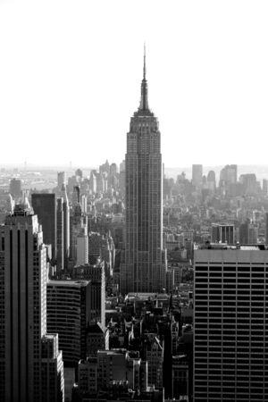 manhatten skyline: Skyline von Manhattan und dem Empire State Building.  Editorial