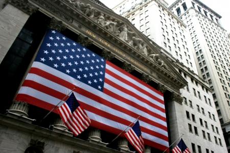 new york stock exchange: New York City, USA - 24 gennaio 2010 - la borsa di New York in Lower Manhattan.