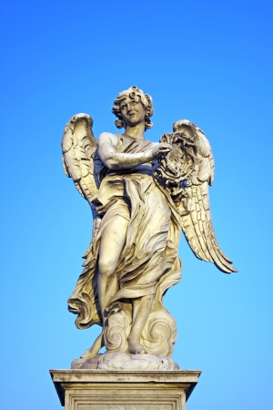 Angel with the Crown of Thorns near Castel Sant Angelo, Rome, Italy Imagens