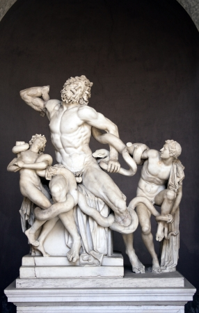 monumental: Città del Vaticano, Vatican City, August 21 2012. Statue of Laocoön and His Sons (Italian: Gruppo del Laocoonte), also called the Laocoön Group, is a monumental sculpture in marble now in the Vatican Museums, Rome.  The statue is attributed by the Roma Stock Photo