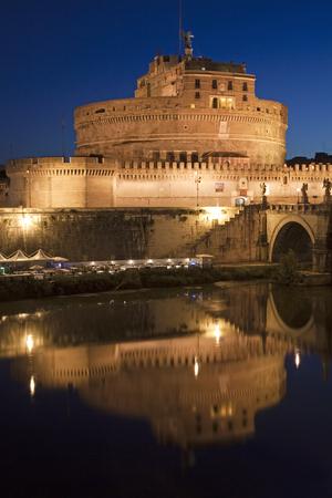 tevere: Ancient Castel SantAngelo, Rome, Italy   Editorial
