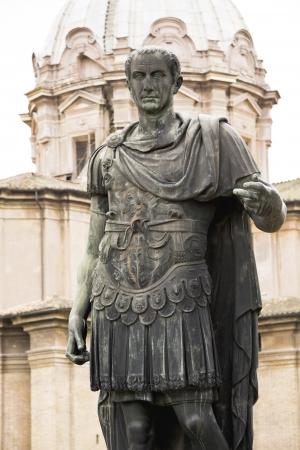 Statue de Jules César Emperator à Rome, Italie Banque d'images - 23828285