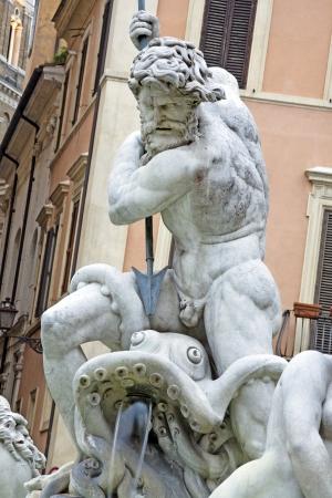 neptuno: Detalle de la Estatua de Poseidón y de la fuente, la Piazza Navona, Roma, Italia