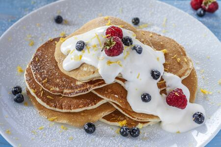 flapjacks: Morning breakfast with berries and cream