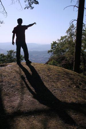 serenety: Man pointing to the horizon