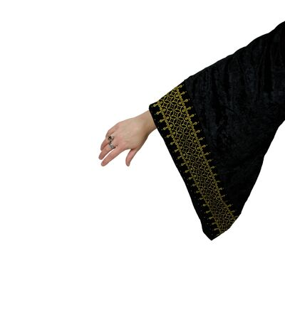 grasp: Wearing period clothing similar to the medieval era