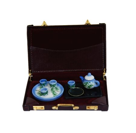 repast: Tea set decorated with bamboo shoots for a relaxing afternoon repast in a briefcase-Path included