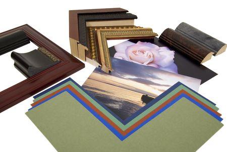 Beslissen over een opnamesnelheid project met een assortiment van gekleurde matboard en frame monsters - pad opgenomen