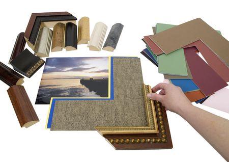 Beslissen over een opnamesnelheid project met een assortiment van gekleurde matboard en frame monsters - pad opgenomen Stockfoto - 4834455