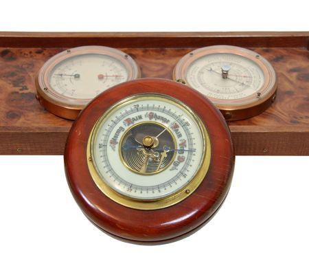 atmospheric pressure: Antique aneroid barometer with mechanical levers used to measure atmospheric pressure changes Stock Photo