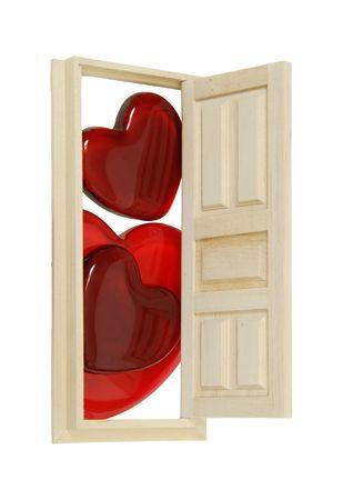Houten binnendeur met vijf panelen gebruikt om toegang te krijgen tot een andere kamer open voor verschillende glas rode harten - pad opgenomen Stockfoto - 5033148