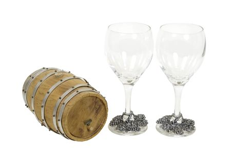 glasswear: Wooden oak barrel and two wine glasses - path included