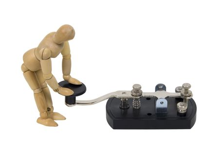 telegraaf: In contact met mededeling weergegeven door model met antieke telegraph sleutel gebruikt voor Morse Code - pad opgenomen