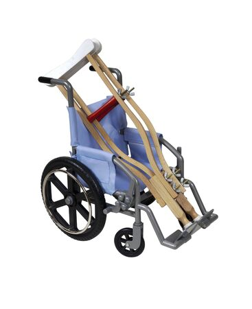 aide � la personne: Crutches and wheelchair used for assistance in personal transportation when ambulatory methods are unavailable