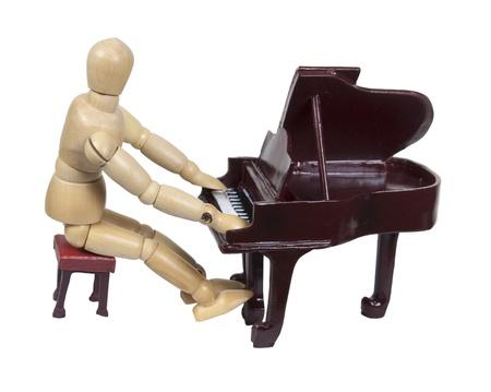 Zittend op een bankje en het spelen van een traditionele houten piano - pad opgenomen