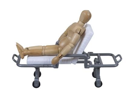 部屋 - 含まれているパスの間患者を輸送するために使用される病院ガーニーに座った患者