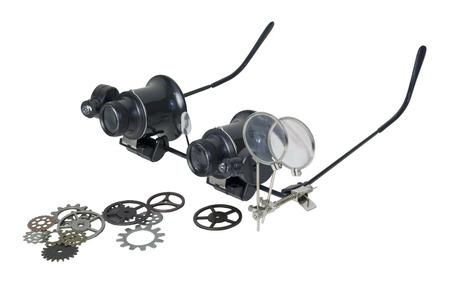 スチーム パンクなメガネのパス含まれている歯車と細かい活字を拡大するために使用