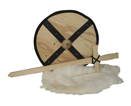 Houten schild en zwaard en konijnenbont - inclusief pad