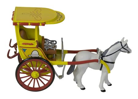 Paard dat een Yelllow-Passagiersvervoer trekt - inbegrepen weg Stockfoto