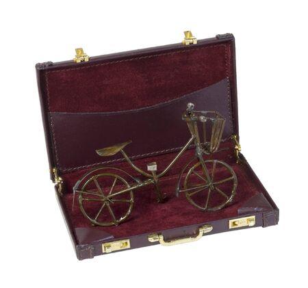 Vintage fiets gebruikt voor transport in een koffer - inclusief pad