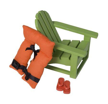 Opklapbare strandstoel met strepen om te ontspannen terwijl u op vakantie bent