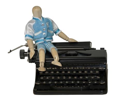 Student Sitting on Typewriter - pad opgenomen