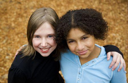 due amici: due amici, uno nero e uno bianco