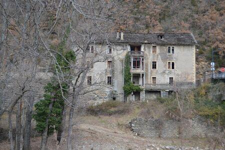 ruins: Mansion in ruins